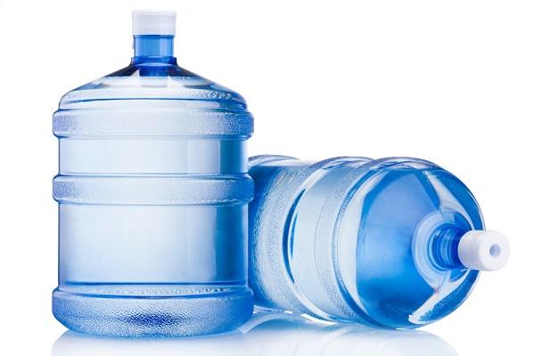 Chất liệu của vỏ bình kém chất lượng thường không có độ dày nhất định.