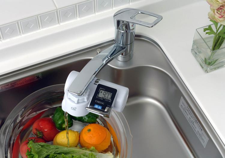 Có nên sử dụng máy lọc nước tại vòi cho gia đình hay không?