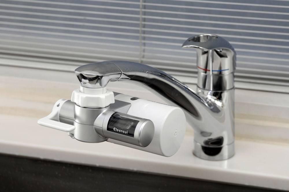 Có nên mua máy lọc nước đầu vòi sử dụng hay không?