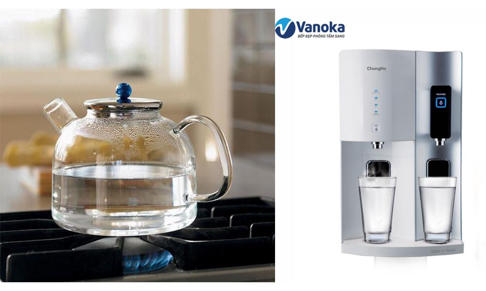 Lựa chọn uống nước nóng hoặc uống nước sau khi đã được lọc sạch qua máy lọc nước sẽ đảm bảo chất lượng nước uống.